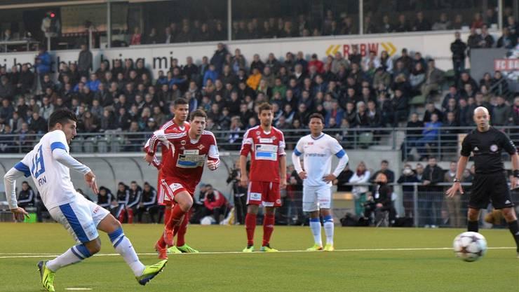 Volle Ränge im Stadion Esp: Fast 5000 Zuschauer sorgten für eine tolle Cup-Stimmung. Nur das Resultat passte nicht. Rikan erzielt das 1:4 per Penalty.