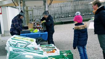 Der Gemüsestand ist einer der begehrtesten am Monatsmarkt. Sibylle Haltiner