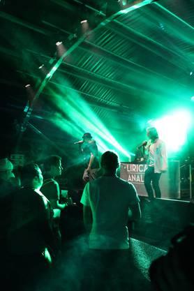 Die rätoromanische Hip-Hop-Crew «Liricas Analas».