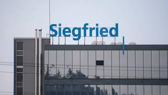 Siegfried expandiert nach Spanien. Das Zofinger Unternehmen kauft zwei Produktionsstätten vom Pharmariesen Novartis.