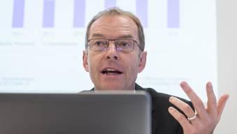 Stadtrat Daniel Leupi, Vorsteher Finanzdepartement Stadt Zuerich, praesentiert anlaesslich einer Medienkonferenz das Budget 2016 und die Finanzplanung 2017 bis 2019 im.JPG