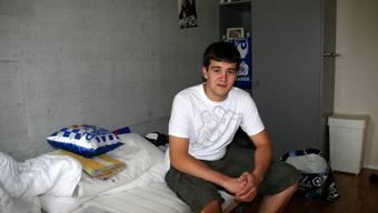 Seinem Leben eine Wende gegeben: Der junge Mann in seinem Zimmer im Neuhof. (Peter Belart)