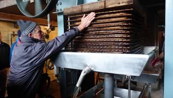 Die historische Mosterei von Familie Sidler ist wieder in Betrieb.