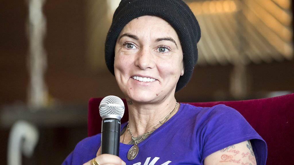 Die irische Sängerin Sinéad O'Connor letztes Jahr, als es ihr besonders schlecht ging. Heute wird sie 50 und hofft nach einem Entzug auf bessere Zeiten. (Archivbild)