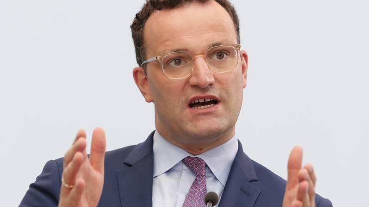 Der deutsche Gesundheitsminister Jens Spahn begrüsst den Vorschlag, einen Staatsakt für die Opfer der Corona-Pandemie in Deutschland abzuhalten. (Archivbild)