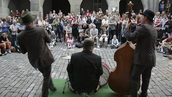 Das Berner Strassenmusikfestival Buskers lockt jeweils tausende Besucherinnen und Besucher in die Innenstadt.