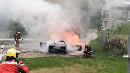 Pian San Giacomo: Auto komplett ausgebrannt