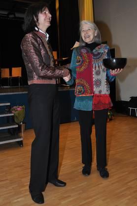 Marlies Michels (r.) Engagement für die Musikschule wurde geehrt