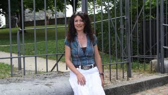 Eva Gauch, Betriebsleiterin des Alten Spitals, beim Krummturm.