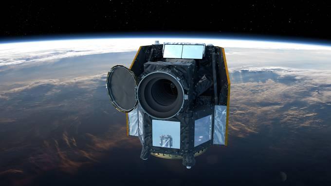 Der Cheops-Satellit der Universität Bern wird um Lichtjahre entfernte Planeten vermessen.