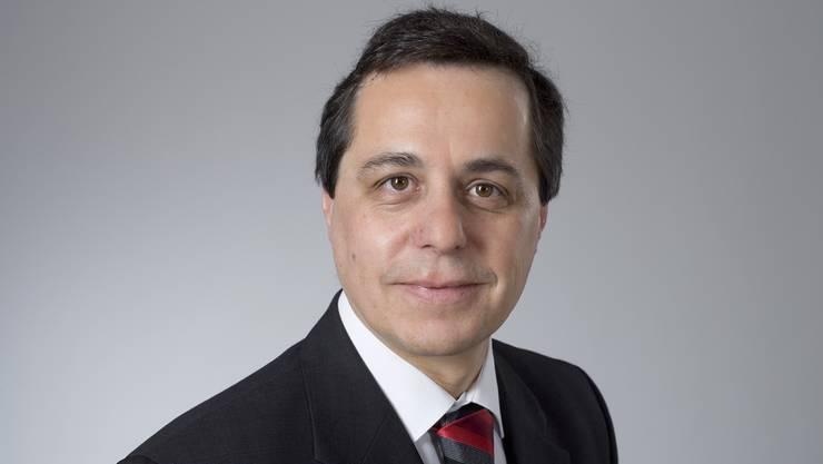 Ignazio Cassis ist Facharzt in Innerer Medizin sowie in Prävention und Gesundheitswesen. Ab 2001 hat er einen Lehrauftrag an der Universität Lugano. Später kommen weitere in Zürich, Lausanne und Bern hinzu.
