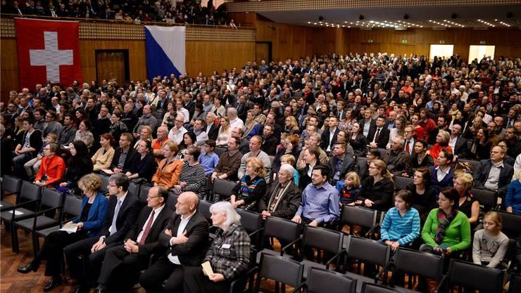 Einbürgerungsfeier im Zürcher Kongresshaus: 2015 wurden in der Stadt Zürich 3112 Personen eingebürgert. KEY