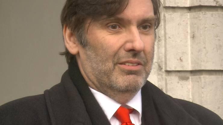 Marcel Niggli vor dem Gerichtsgebäude in Solothurn.