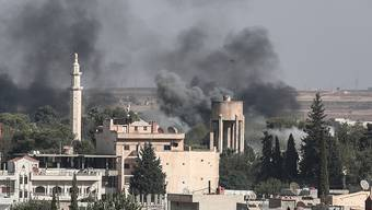 Türkischer Angriff auf die syrische Grenzstadt Ras al-Ain.