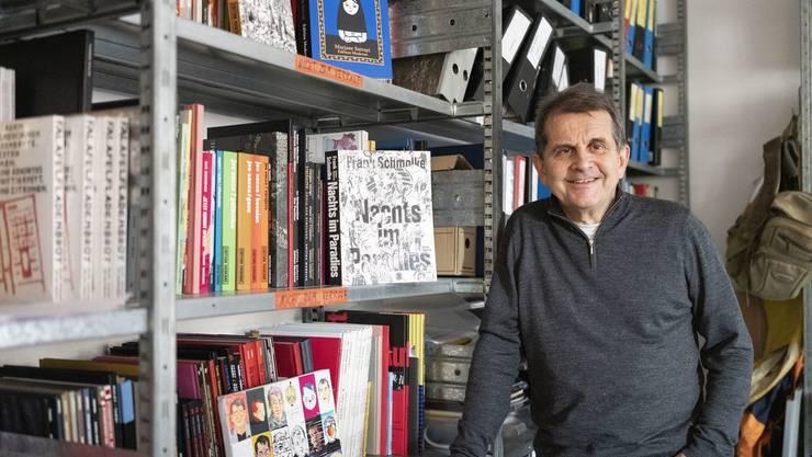 David Basler, Mitbegründer der Edition Moderne, Verlag für Graphic Novels und Comics, posiert für ein Porträt am 3. Dezember 2019 in seinem Ateiler in Zürich.