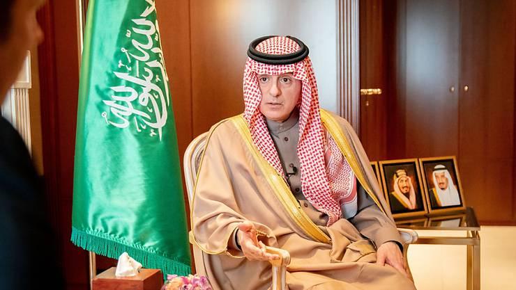 ARCHIV - Adel al-Dschubair, Staatsminister für Auswärtiges von Saudi Arabien, spricht bei einem Interview. Foto: Kay Nietfeld/dpa