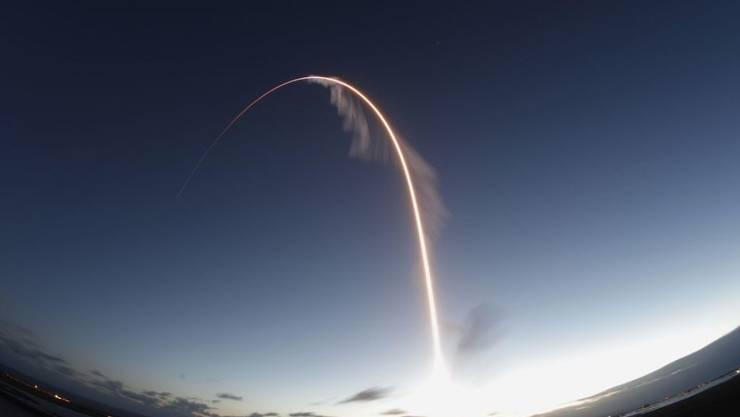 """Die Boeing """"Starliner"""" hat den Test nicht bestanden. Nach dem Start vom Weltraumbahnhof Cape Canaveral habe """"Starliner"""" am Freitag """"nicht den richtigen Kurs zur Internationalen Raumstation ISS eingeschlagen"""", teilten Boeing und die Nasa mit. """"Voll daneben"""" würde es wohl eher treffen."""