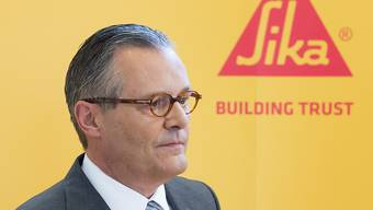 Der Machtkampf geht weiter: Wenig überraschend sagte Sika-Verwaltungsratspräsident Paul Hälg zu Beginn der GV, dass das Gremium die Stimmrechte der Erbenfamilie in bestimmten Fragen beschnitten habe.
