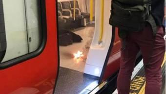 In einer Londoner U-Bahn war ein Gegenstand in Brand geraten.