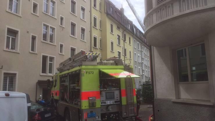 Feuerwehr, Polizei und Notarzt rückten mit einem Grossaufgebot aus.