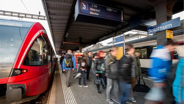 Der Kanton will prüfen, wie die Fahrgast-Frequenz der Moutier-Bahn erhöht werden kann.