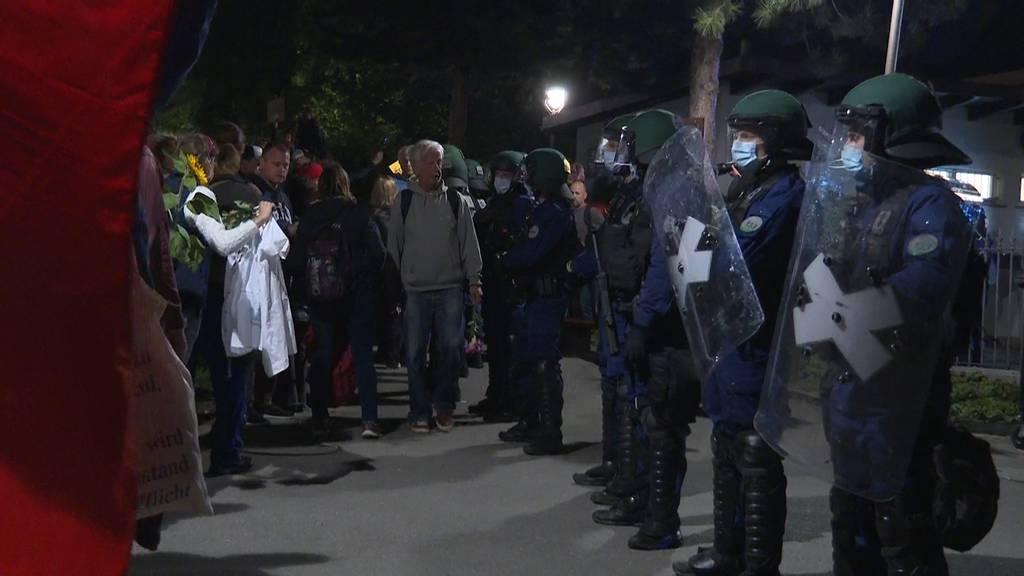 Polizei verhindert erneute Corona-Demo vor dem Bundeshaus mit Grossaufgebot