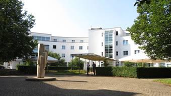 Das ehemalige Kochschulhaus soll  als Aussenstation mit Alterswohnungen des Alters- und Pflegeheimes am Bach betrieben werden. (Archivbild)