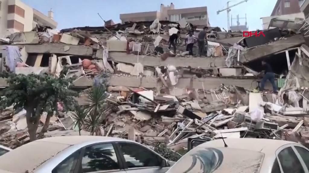 Auf starkes Erdbeben folgt Tsunami: Mindestens sechs Tote in der Türkei