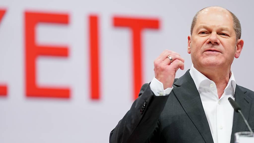 Olaf Scholz, stellvertretender Vorsitzender der SPD und Bundesminister der Finanzen, spricht beim SPD-Bundesparteitag. Die SPD will Vizekanzler Olaf Scholz zu ihrem Kanzlerkandidaten küren.