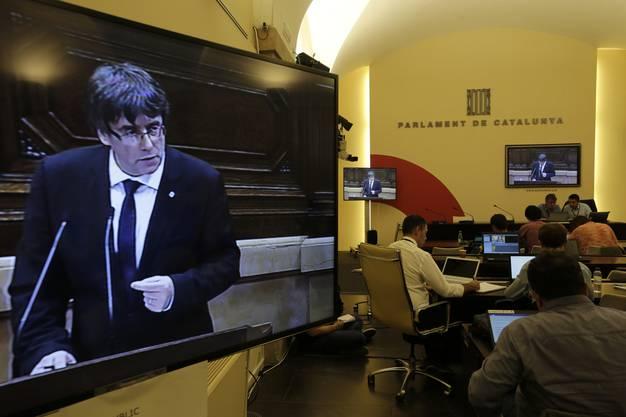 Puigdemont ruft zum Dialog auf.