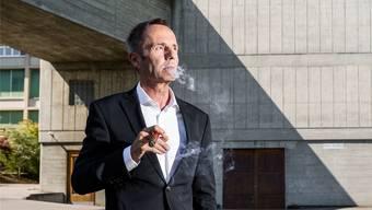 Robert Suter (58) war bis im Februar 2015 Konzernchef des Mischkonzerns Conzzeta (unter anderem Mammut). Von 2000 bis 2009 war der Maschinenbau-Ingenieur für ABB tätig. Zum Beispiel in Korea. Er wohnt an der Zürcher Goldküste.