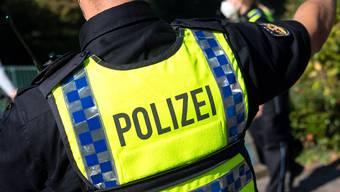 Die deutsche Polizei fand bei der Kontrolle eines Geländefahrzeugs auch eine unverzollte wertvolle Uhr aus einer Schweizer Erbschaft. (Symbolbild)