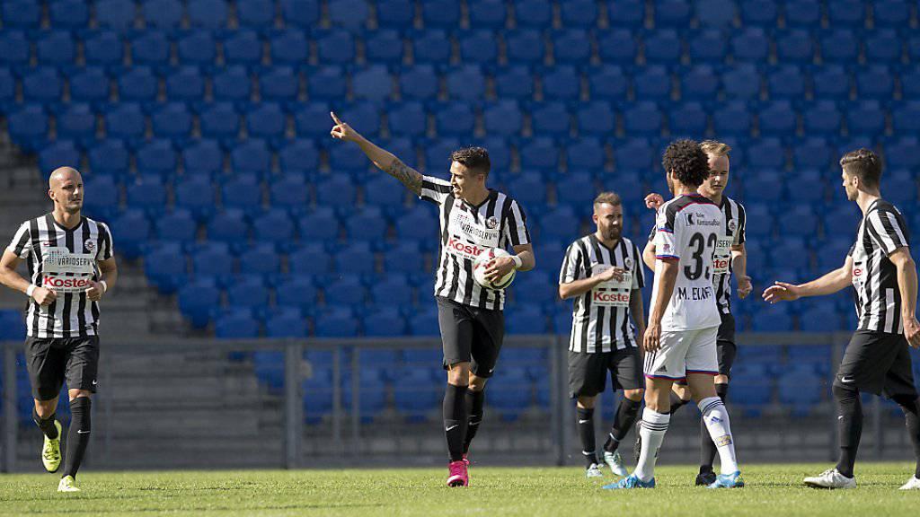 Mychell Da Silva Chagas (Mitte mit Ball und im Bild noch im Trikot von YF Juventus) spielt künftig in der Challenge League für Servette
