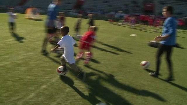 Flüchtlingskinder trainieren mit dem FC Thun