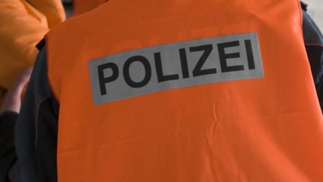 Bei der Aargauer Polizei haben sich Personen gemeldet, die mit dem Entführer in Kontakt standen (Symbolbild)