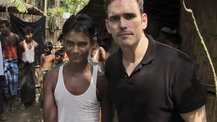 Matt Dillon (rechts) besucht ein Lager mit Flüchtlingen der Rohingya-Minderheit (Archiv)