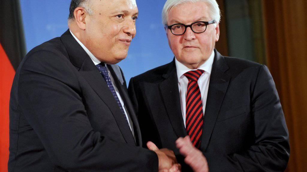 Deutschlands Aussenminister Frank-Walter Steinmeier (rechts) mit seinem ägyptischen Amtskollegen Sameh Schukri in Berlin.