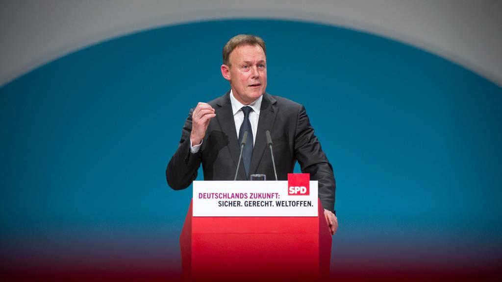 Zusammenbruch bei Dreharbeiten: Bundestagsvizepräsident Oppermann ist tot