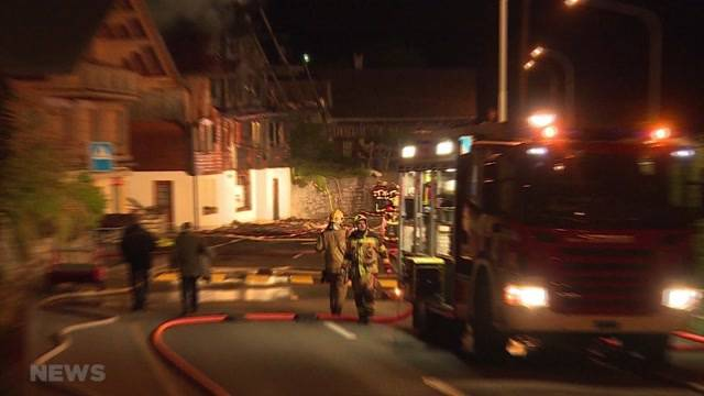 Mindestens 2 Wohnungen in Niederried komplett ausgebrannt