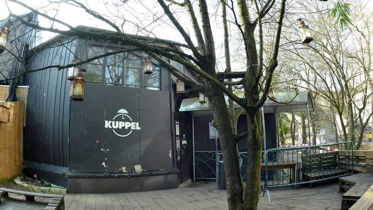 Die Kuppel im Nachtigallenwäldeli, wie sie noch Treffpunkt der Basler Jugend war und im Februar 2016 abegerissen wurde.