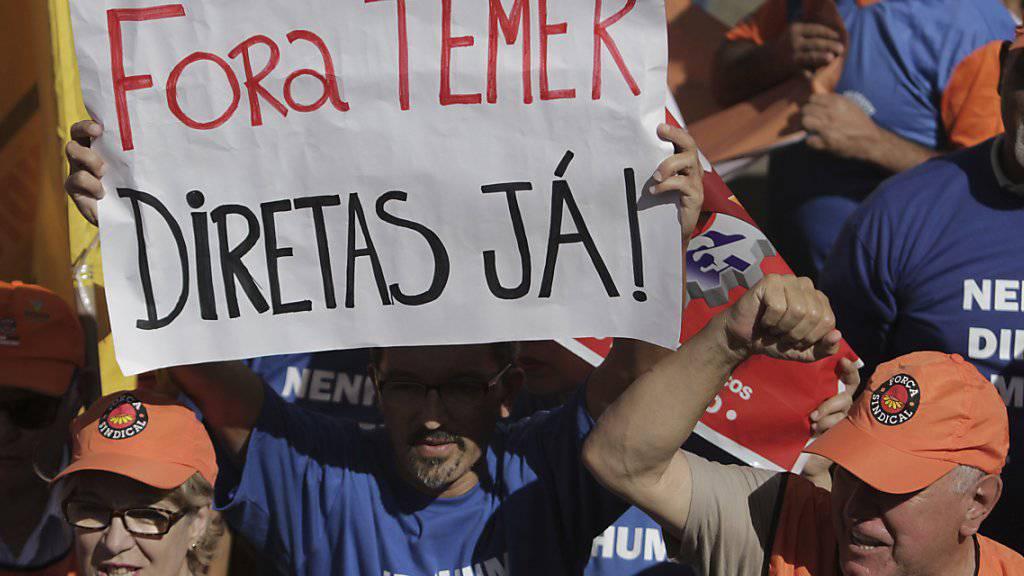 «Verschwinde Temer - sofort!» - Die Aufforderung der Strasse an den brasilianischen Präsidenten könnte nicht unmissverständlicher sein bei der Demonstration in der Hauptstadt.
