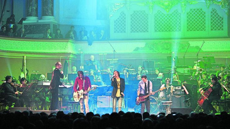 Die Lovebugs und das Sinfonieorchester Basel machten es bereits 2011 vor: Klassik und Pop können gleichwertig aufspielen. (Archivbild)