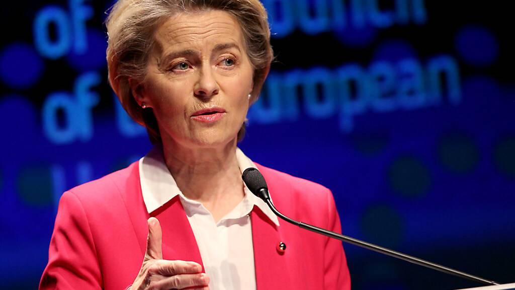 Von der Leyen: Pfizer garantiert zugesagte Lieferungen bis Ende März