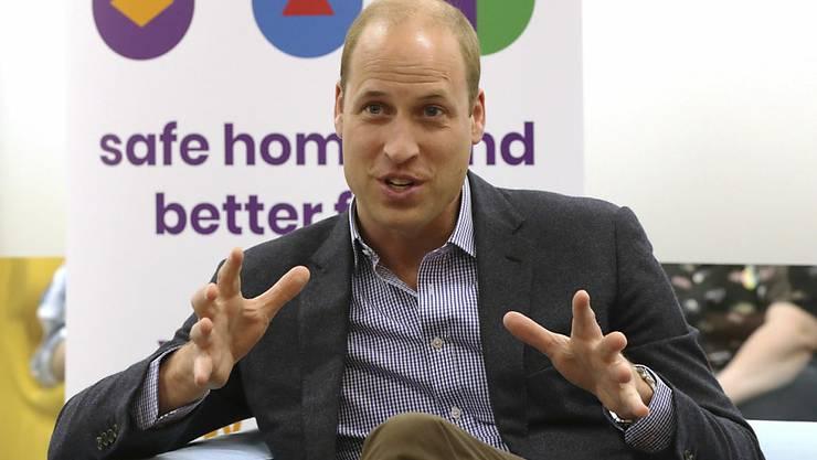 Prinz William würde seine Kinder unterstützen, sollte Prinz George, Prinzessin Charlotte oder Prinz Louis sich eines Tages als homosexuell outen. Er befürchtet jedoch, dass dieses Kind diskriminiert werden könnte.