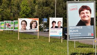 Buhlen um die Wählergunst: Plakatwald im Aarauer Schachen. Christoph Voellmy