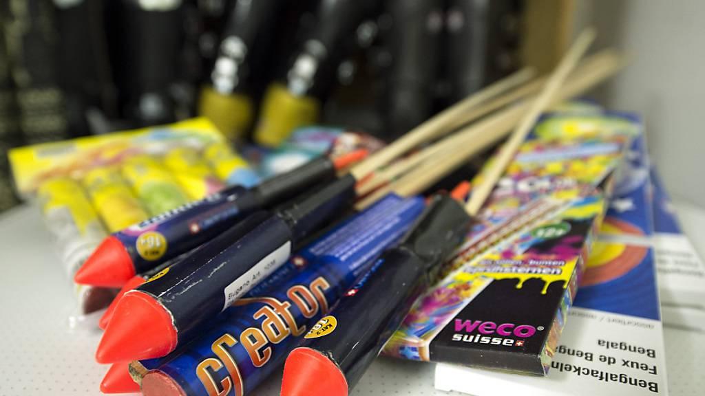 Nicht alles Feuerwerk darf aus dem Ausland importiert werden. Die EZV mahnt deshalb zur Vorsicht. (Archivbild)
