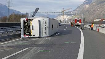 Carunfall auf A2 fordert ein Todesopfer und mehrere Vereletzte