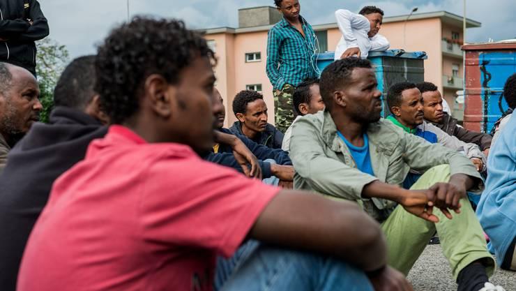 Das Migrationsamt hat mittlerweile die Akten von 2400 von 3200 vorläufig aufgenommenen Eritreern überprüft.