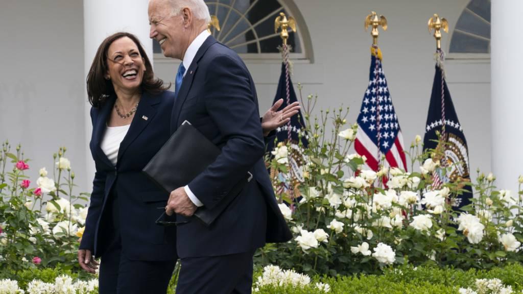 Biden: Richtlinien zum Aufheben der Maskenpflicht sind «Meilenstein»