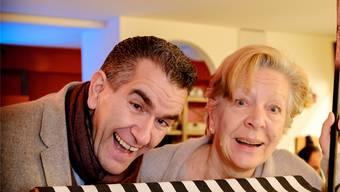 Die neue «Läggerli»-Regisseurin und der Produzent im Fasnachtshuus: Sabina Rasser und Almi.